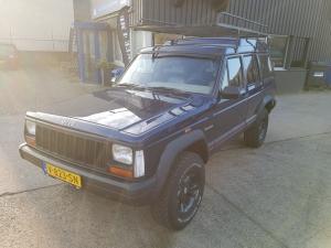 Jeep Cherokee 1996 VAN, betrouwbaar blauw als collega of zakenpartner