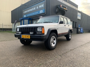 Witte retro cherokee, less is more.