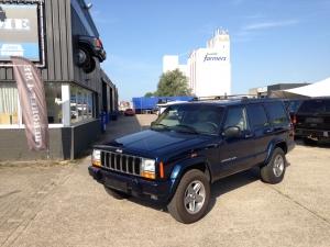 Jeep Cherokee blauw/creme 1999  BINNENKORT VERWACHT !!!