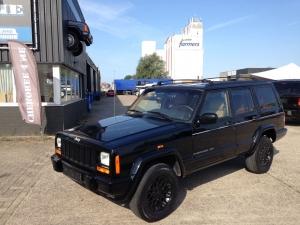 Jeep Cherokee zwart/crème 1997